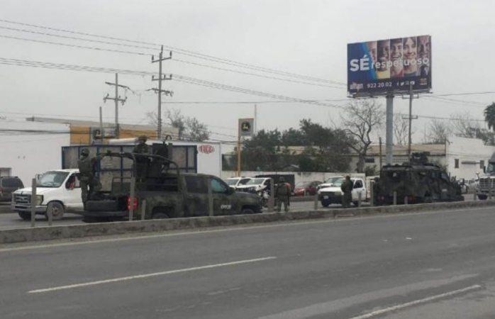 Robo de pipa con gasolina provoca balacera y bloqueos en Tamaulipas