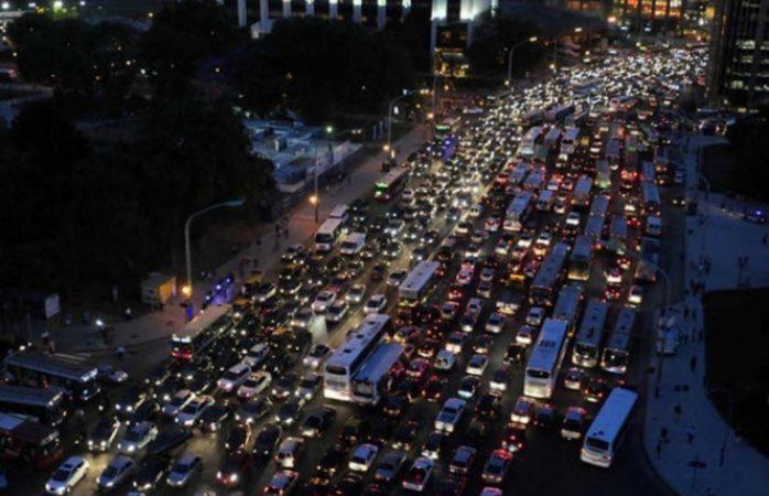 Se queda sin luz la ciudad de Buenos Aires, Argentina