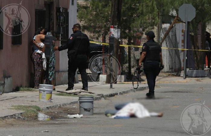 Ejecutan a hombre frente a su vivienda en Juárez