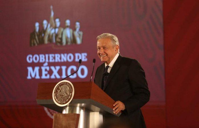 Amlo va contra Grupo México por derrame en mar