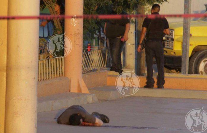 Lo ejecutan frente a una mueblería en Juárez
