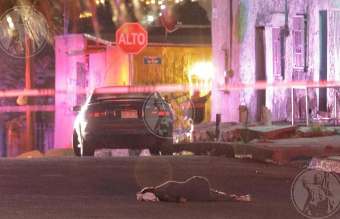 Sicarios ejecutan a mujer en Juárez