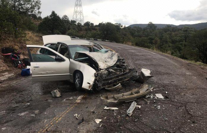 Choque frontal en carretera a Tomochi deja 6 lesionados