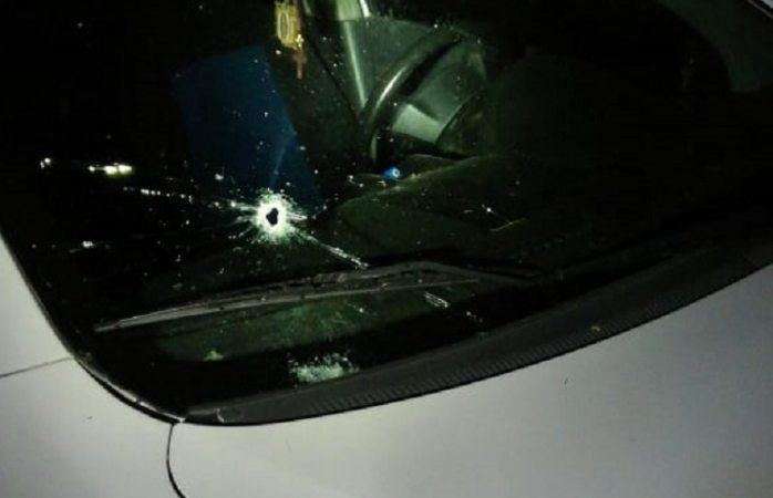 Atacan a balazos a taxista y su pasajero en Cuauhtémoc