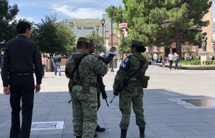 Patrulla guardia nacional en el centro