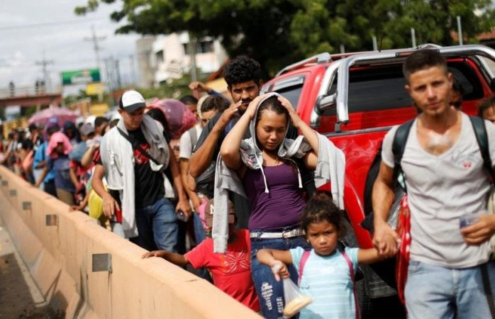 Mike Pompeo reconoce avances migratorios a México