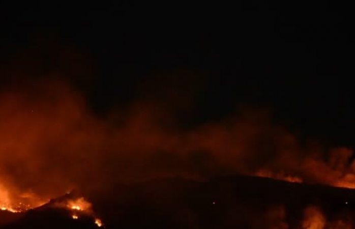 Incendio consume desechos en el relleno sanitario
