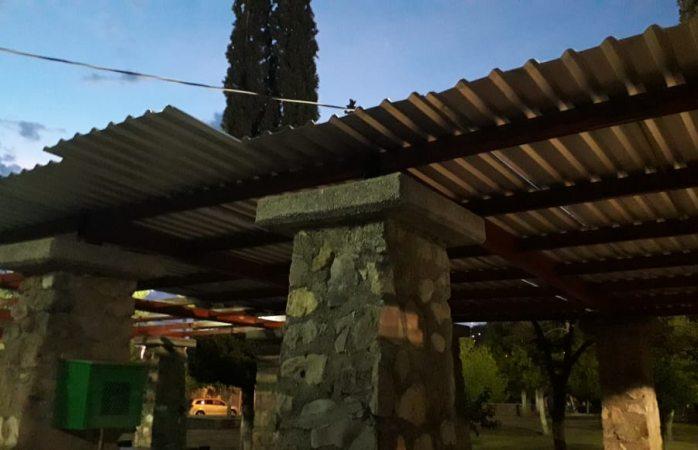 Quema techo de lámina en área del revo