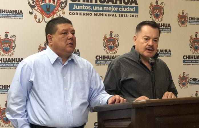 Falso que haya acarreo a firmar por plebiscito: Vázquez