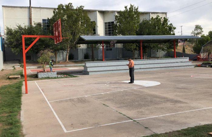 Con la fuerza pública inicia demolición del parque de santo niño