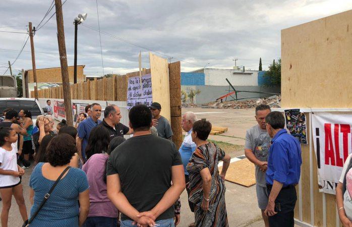 Regidores y abogados toman canchas de Santo Niño