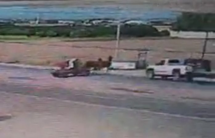 Se viraliza video del choque en corredor comercial