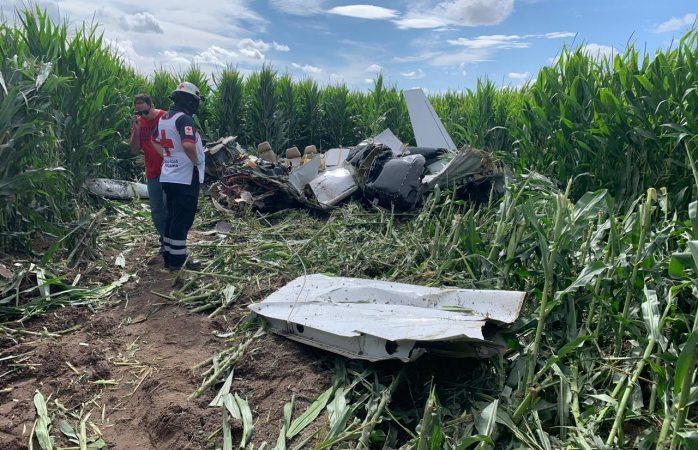Se cae avioneta en campo menonita; hay varios muertos
