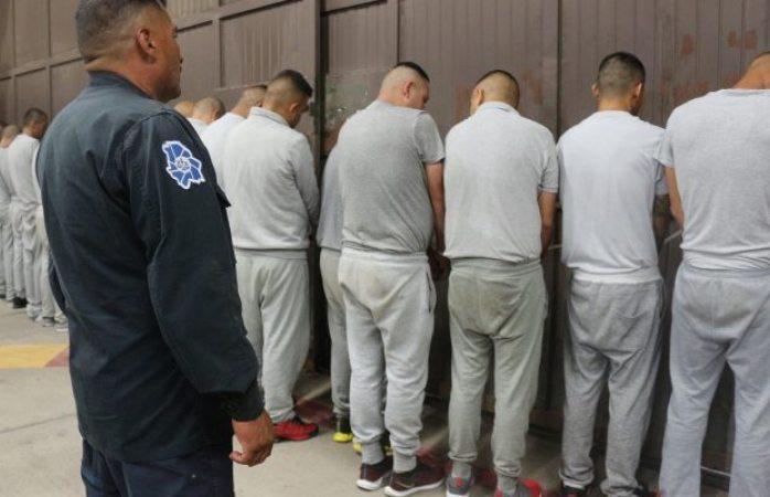 Trasladan 74 reosa penales federales de Sonora y Coahuila