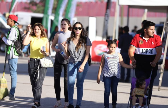 Visitan familias de El Paso feria Juárez 2019