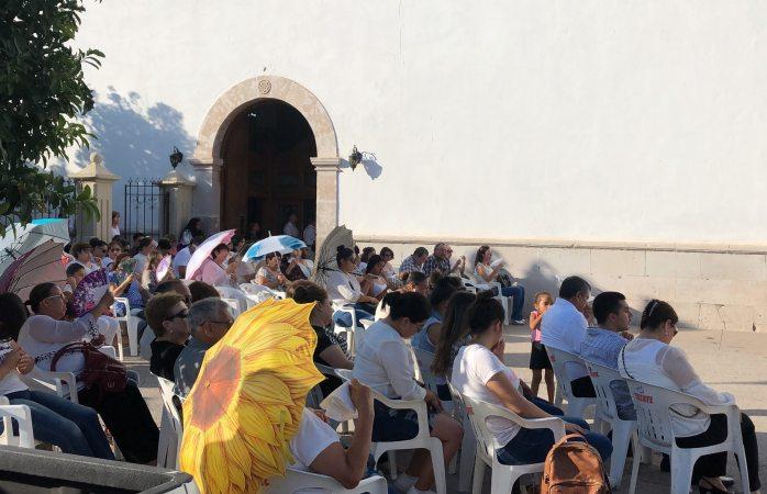 Ofician misa para Norberto al aire libre en Meoqui