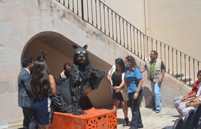 Develan escultura del Cobach 10