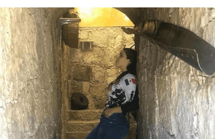 Controversial foto de Emma Coronel dentro de un túnel causa polémica
