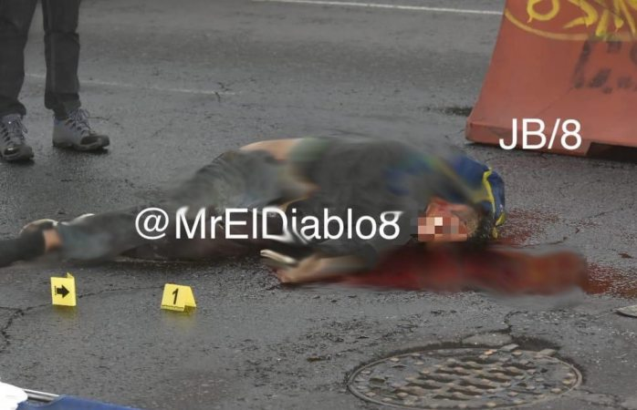 Asalta taquería, huye y muere atropellado por un taxista en la Cdmx