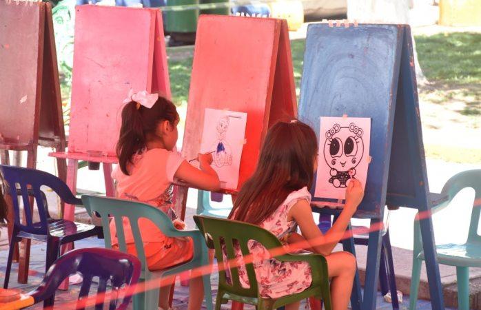 Disfrutan familias actividades de Domingo feliz