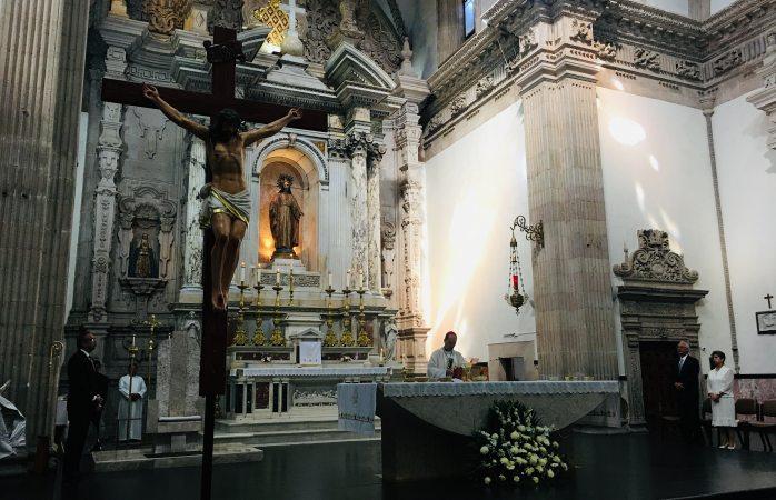 Dedica Arzobispo misa por Día del Padre