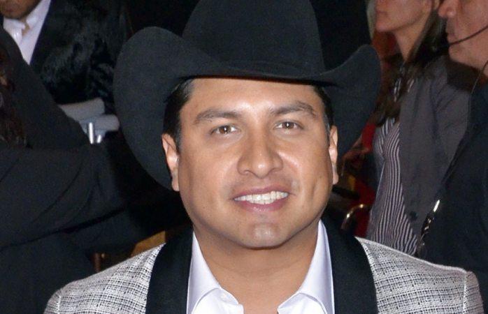 Julión Álvarez cumplirá el sueño de 100 quinceañeras en Juárez