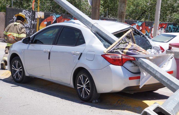 Cierran parcialmente avenida tras accidente