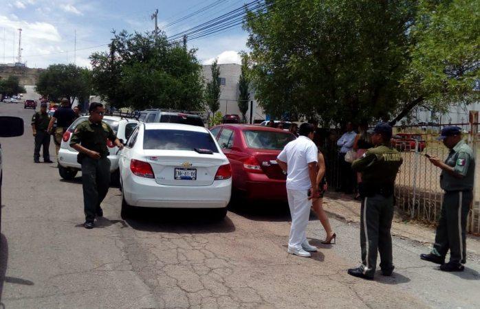 Carambola de 5 vehículos deja daños cuantiosos