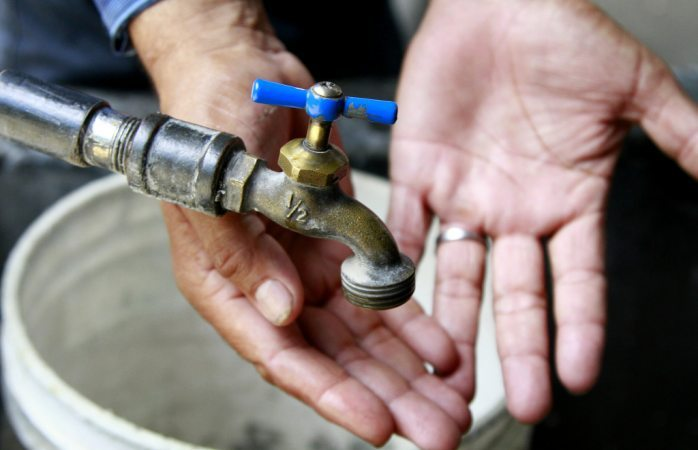 Sin agua, se festeja el día de San Juan