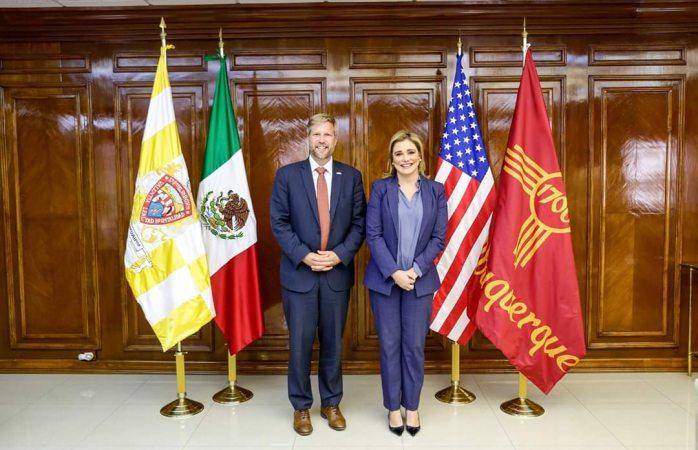 Recibió Maru a alcalde de Albuquerque