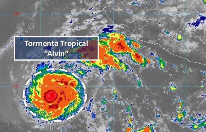 Se forma la Tormenta Tropical Alvin en el Océano Pacífico