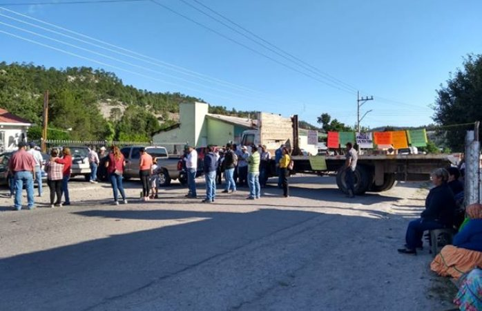 Liberan protestantes rúa Creel–Bahuichivo