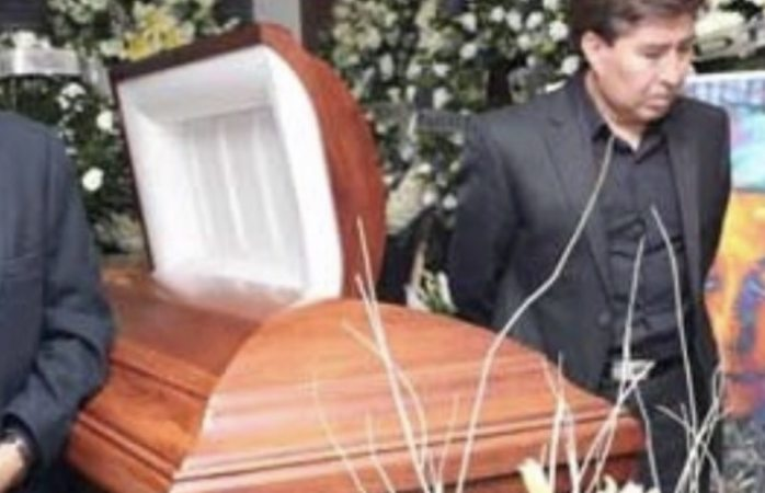 Despiden famosos a Gualberto Castro