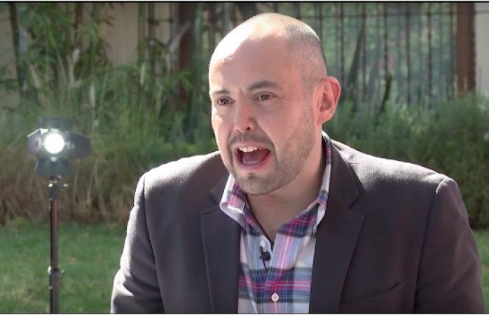 Mauricio Clark volverá a ser gay y se comerá sus palabras, predice Mhoni Vidente