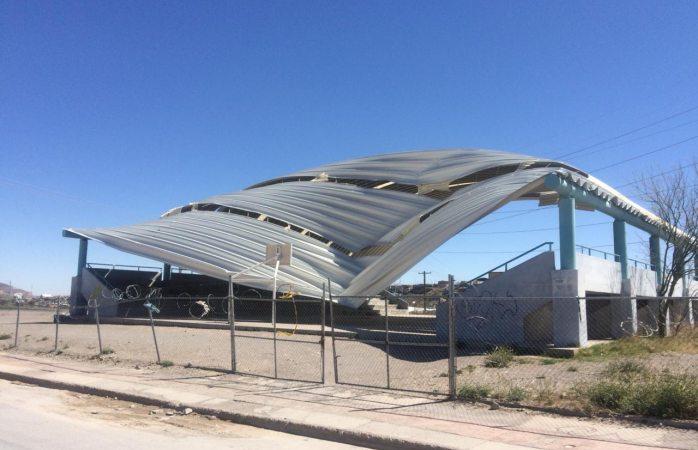 Cae domo del Cbtis 269 por fuertes vientos en Juárez