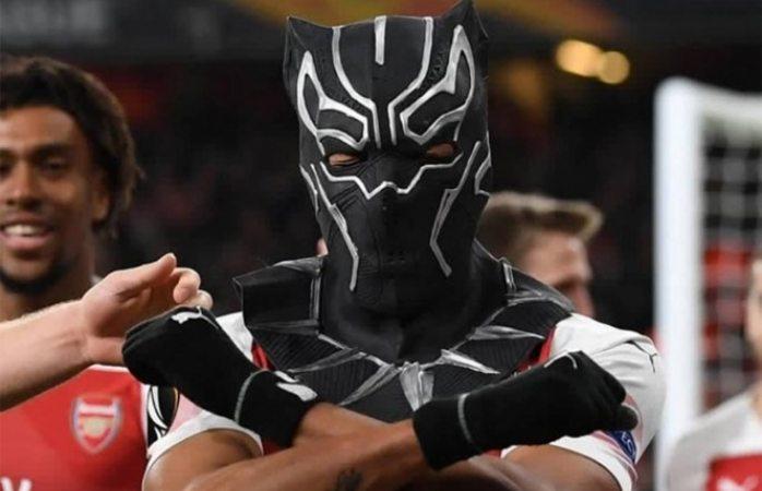 Avanza arsenal en europa league y Aubameyang festeja a lo pantera negra