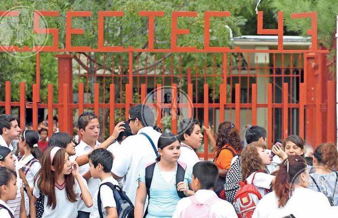 Gran temor en secundaría de Juárez por supuesta muerte de alumno por varicela