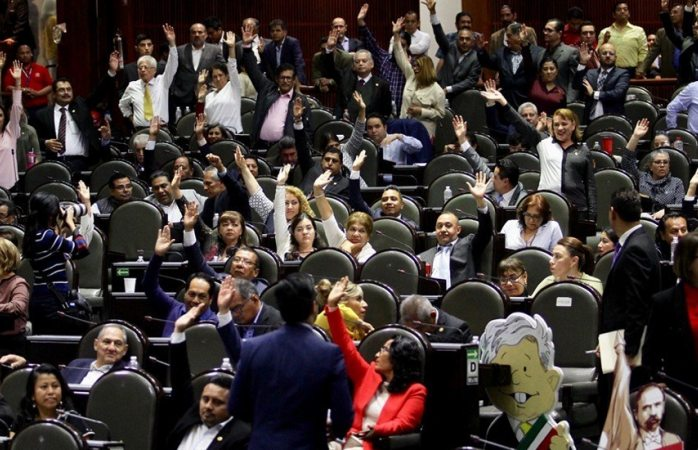 Aprueban diputados dictamen  de revocación de mandato