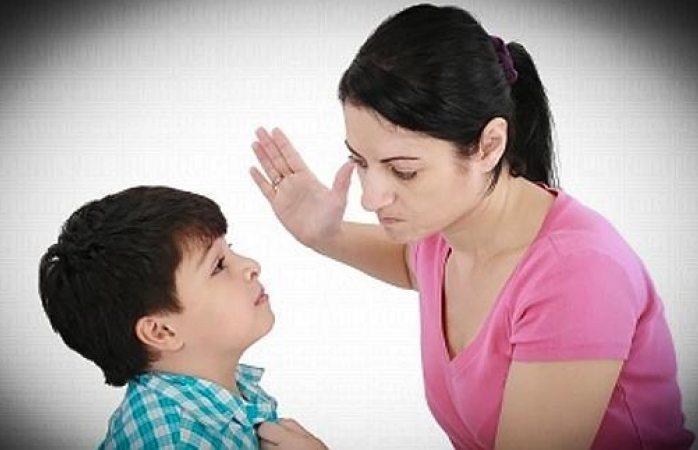 Sentencian en España a madre que cacheteó a su hijo
