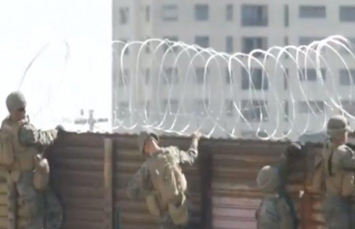 Se roban alambres de púas de la frontera y lo colocan en casas