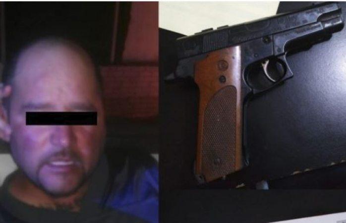 Detienen a asaltante de farmacias con pistola de juguete, en Cuauhtémoc