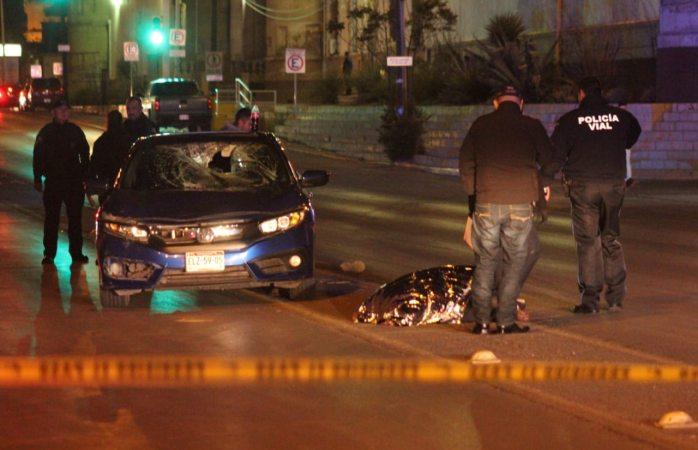 Mata auto a ciclista en la 20 de noviembre
