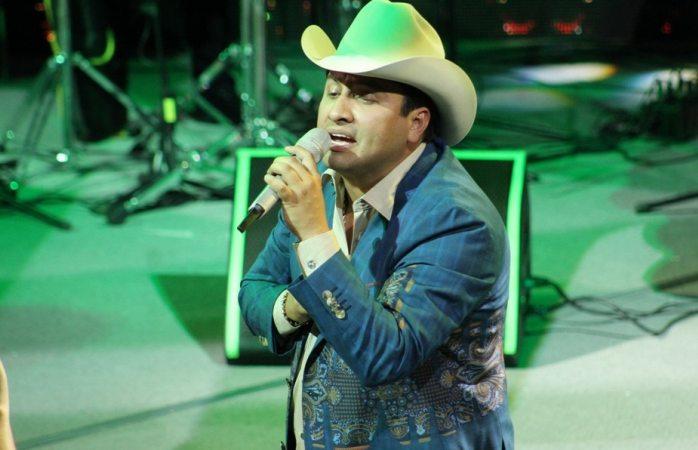 Se deslinda Julión Álvarez de canciones en spotify