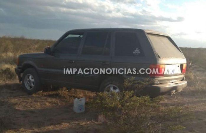 Hallaron auto de ejecutado a balazos y cuchillazos en Camargo