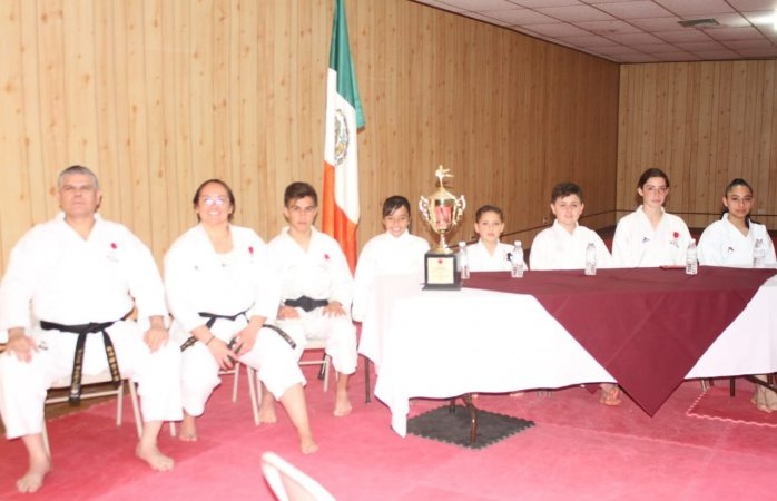 Presentan a representantes en karate en campeonato panamericano