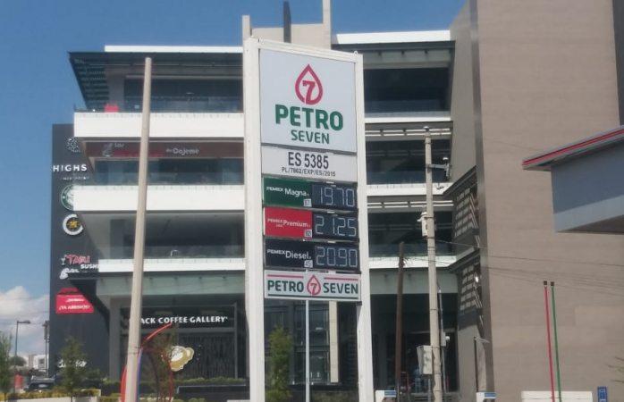Baja precio de gasolinas entre 15 y 10 centavos