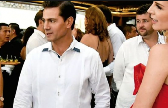 Enrique Peña, acude a boda con su actual pareja y todavía no se divorcia