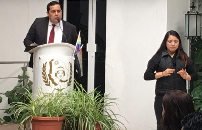 Se registrará José Alarcón por la presidencia de la cedh
