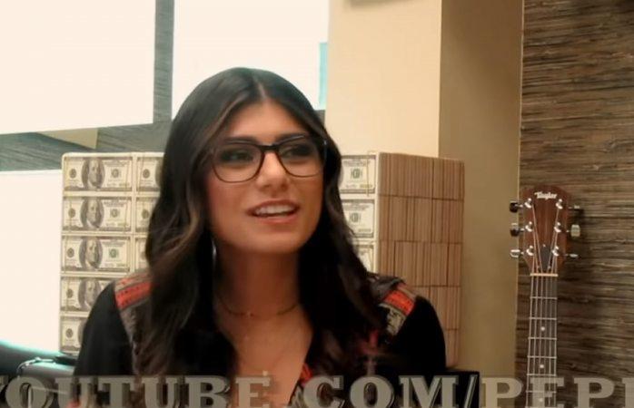 Revela Mia Khalifa que estudió y trabajó como mesera en El Paso