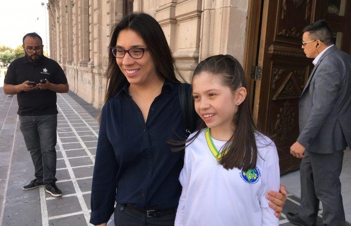 Ignora Corral a niña que pide apoyo para ir a mundial de matemáticas